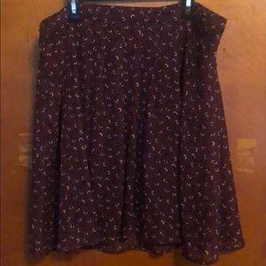 Old Navy burgundy print skirt